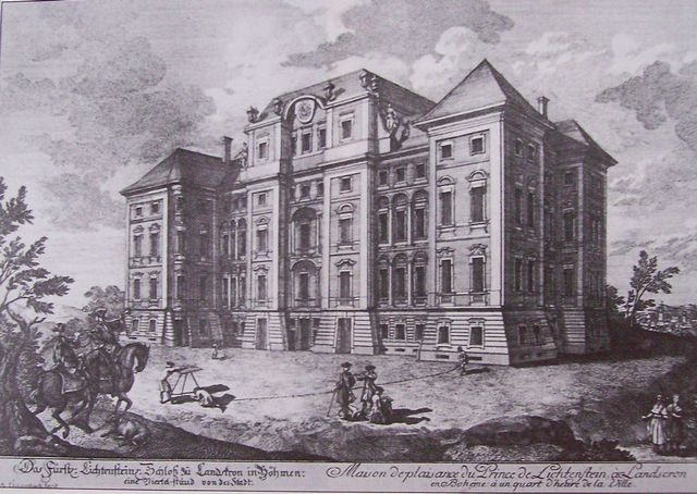 novy-zamek-1712.jpg