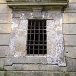 0030- Částečně zazdená okna