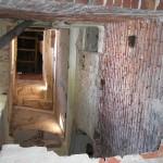 0035-šachta vzniklá vybouráním podlah-zespod