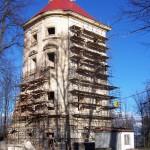 101_1749 věž v lešení leden 2007