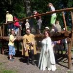 zástupci dalšího patrona,šermířské skupiny Medieval se dětem také líbili
