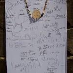děti se podepsaly na tablo KNOFLÍKIÁDY