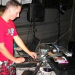 10 DJ Larry