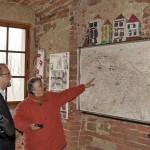 8-u mapy  v 3.patře kam si návštěvníci mohou zapíchnout špendlík odkud přijeli