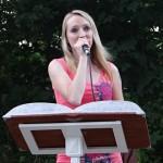 16- k poslechu hraje a zpívá kapela Melissa